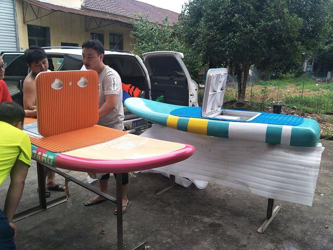Hisun%20electric-powered%20hydrofoil%20surfboard%2002